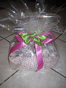 pink_ribbon_bridal_favor_072113