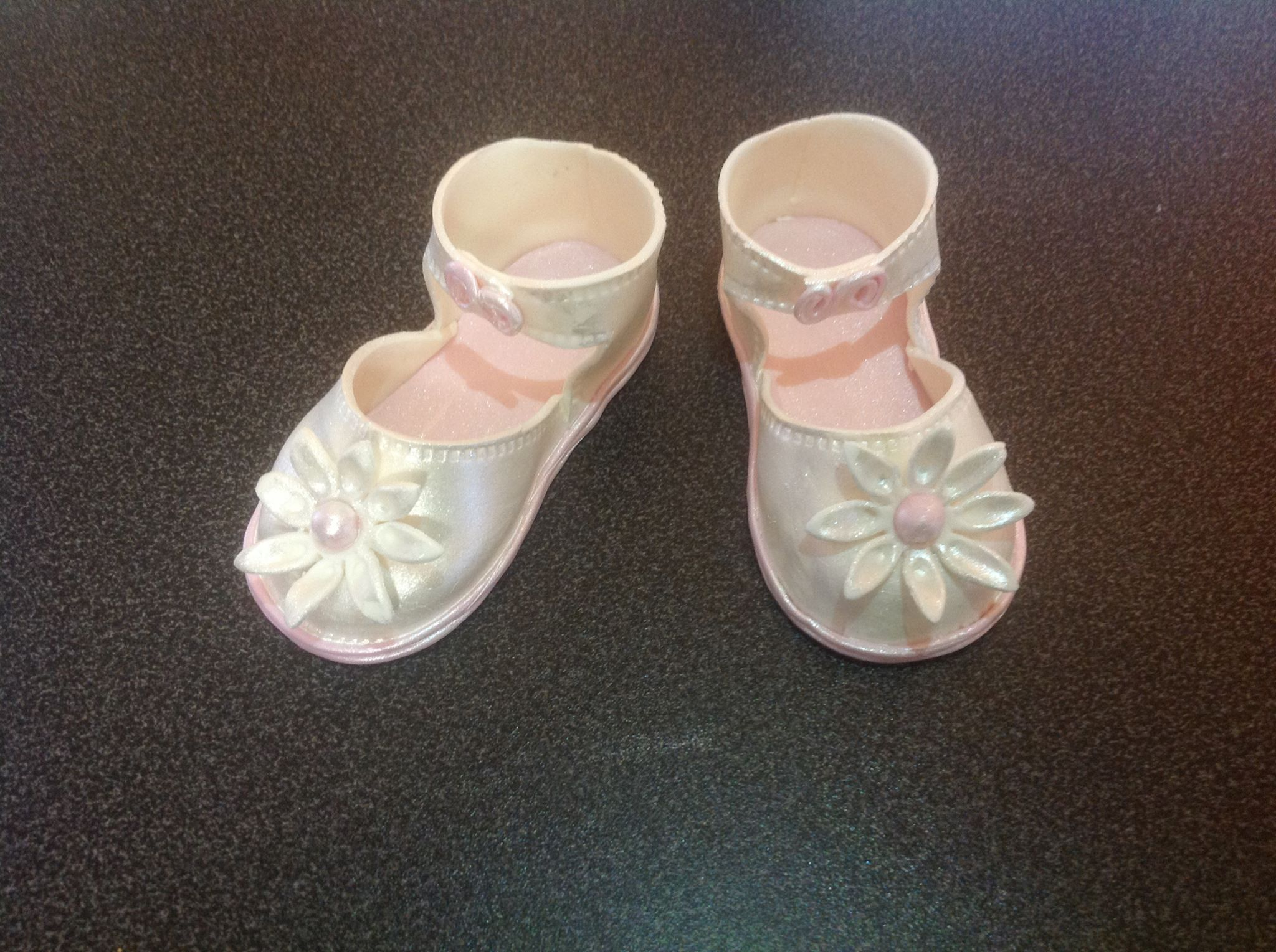 Baby Shoes cake decorations Anna s Cakery